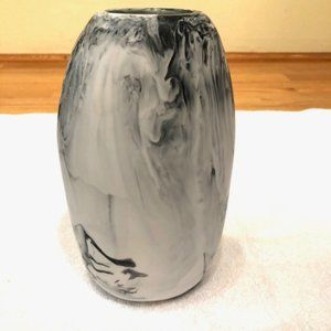 White and Black Swirl Vase Excellent Condition